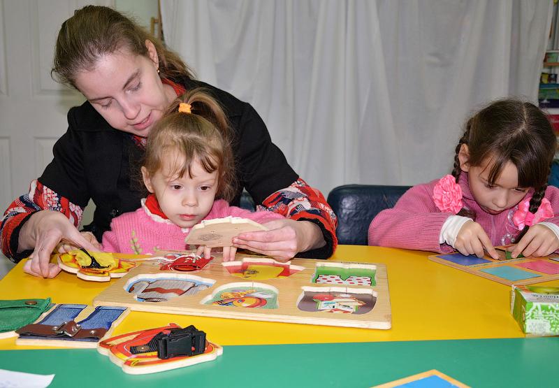 занятия с умственно отсталыми детьми
