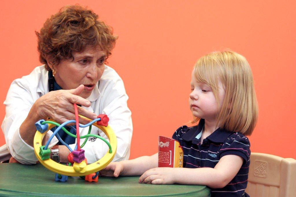 занятия с умственно-отсталым ребенком